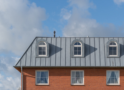 Immeuble avec toiture en zinc