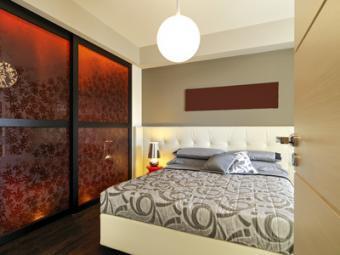 Chambre avec porte coulissante