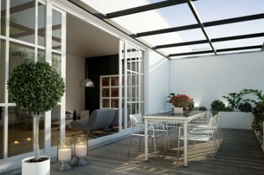 Maison avec toit en verre
