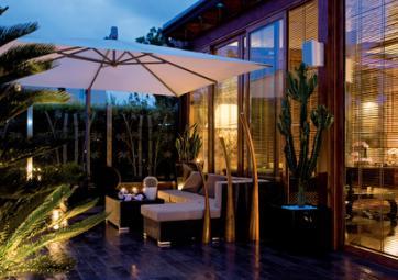 Terrasse avec véranda