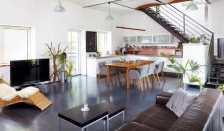 Salon de maison avec duplex