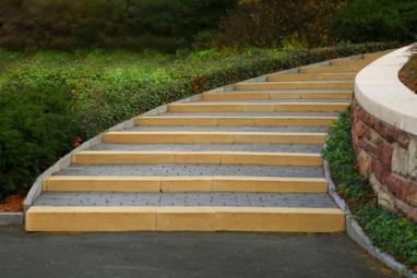 Escalier avec pavés autobloquants